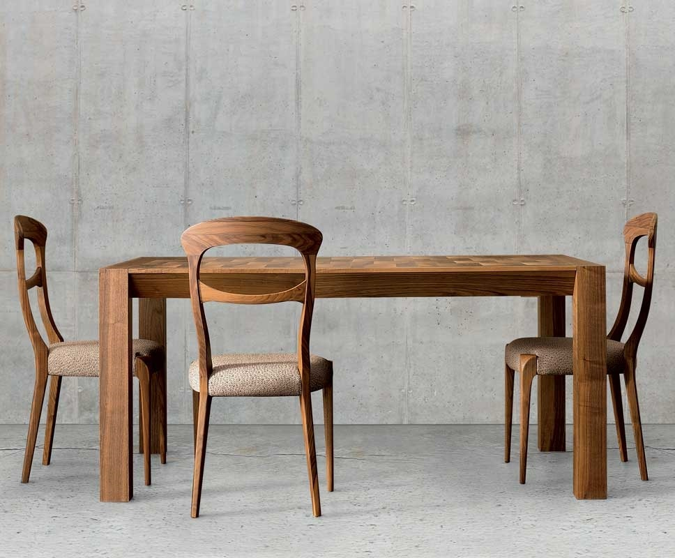 C-143, Chair with clean lines
