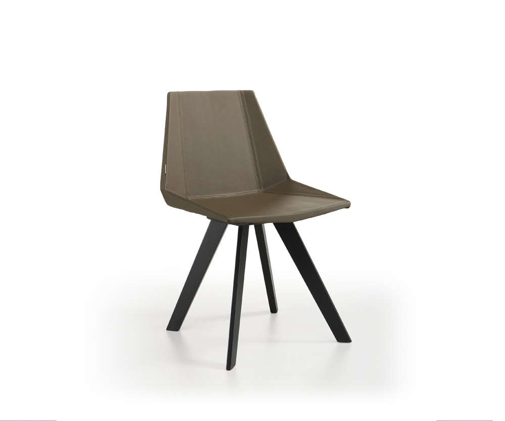 Glim-K, Chair with wooden legs