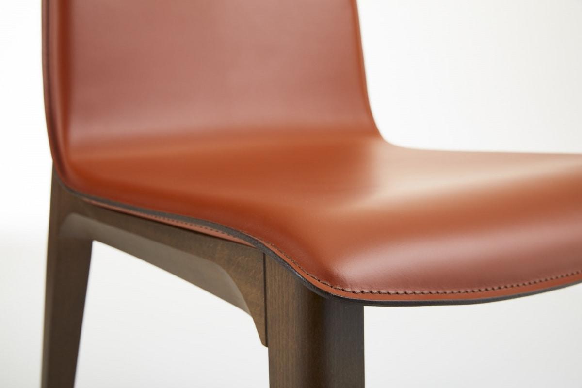 Marta, Chair with a modern design