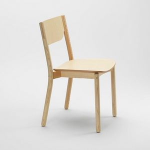 Nico, Stackable solid ash chair