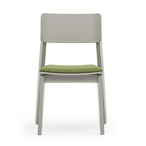 Offset 02812, Versatile wooden chair with padded seat