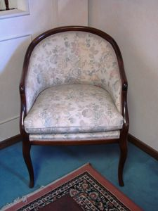 Art. 118, Small armchair with floral fabric