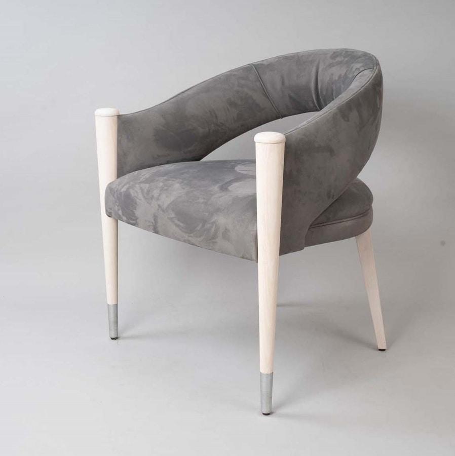 C65, Wraparound padded armchair