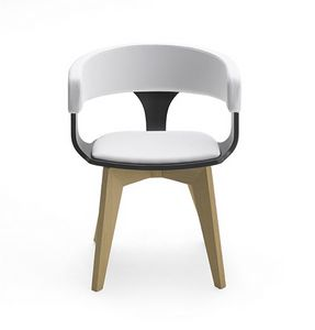 CG 918040, Chair in wood with armrests, with padding