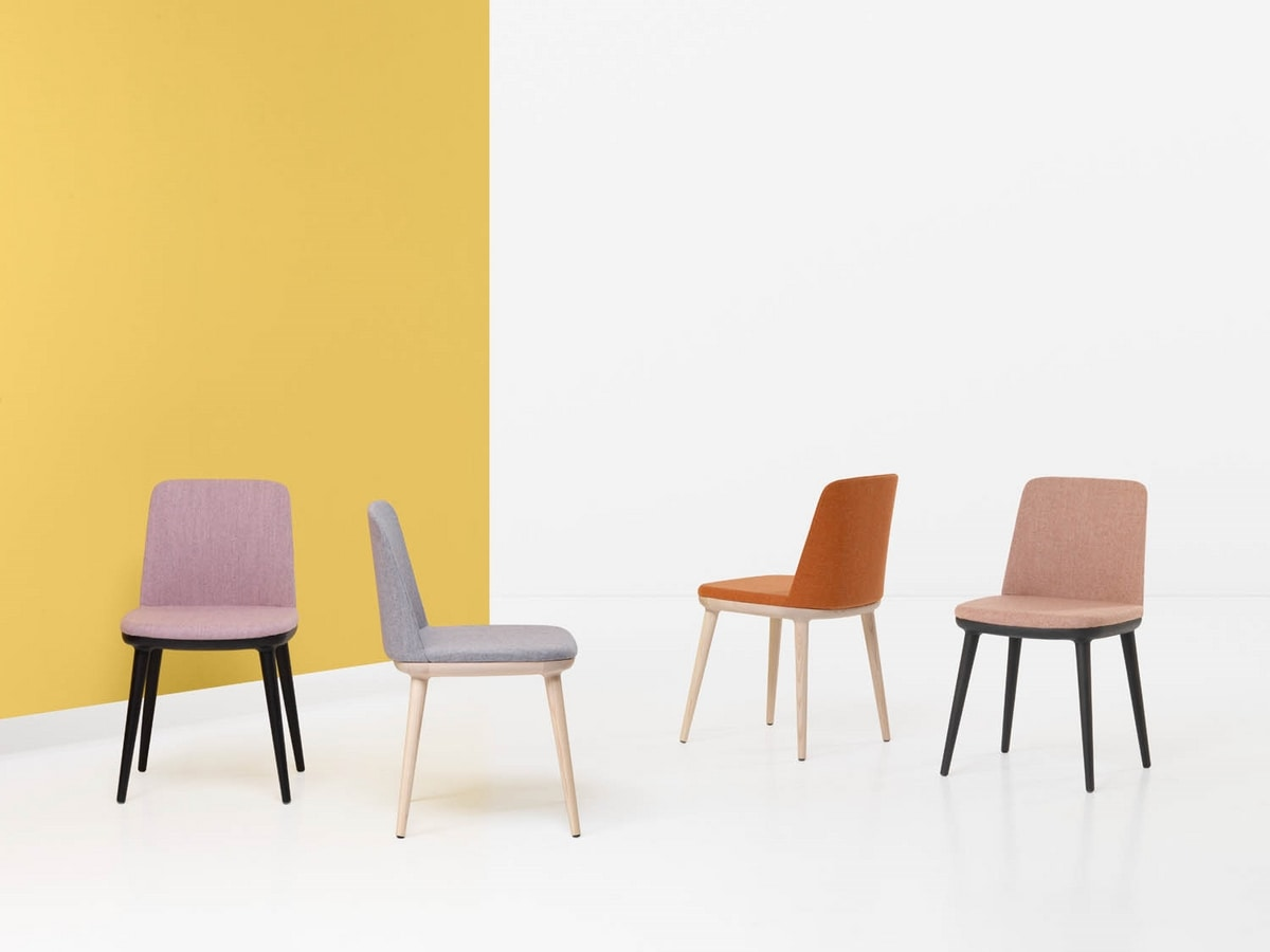 CLOÈ ARMCHAIR 025 P, Armchair with legs in brushed wood