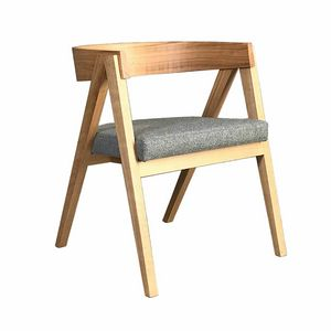 Cooper 3890, Chair in wood with curved back