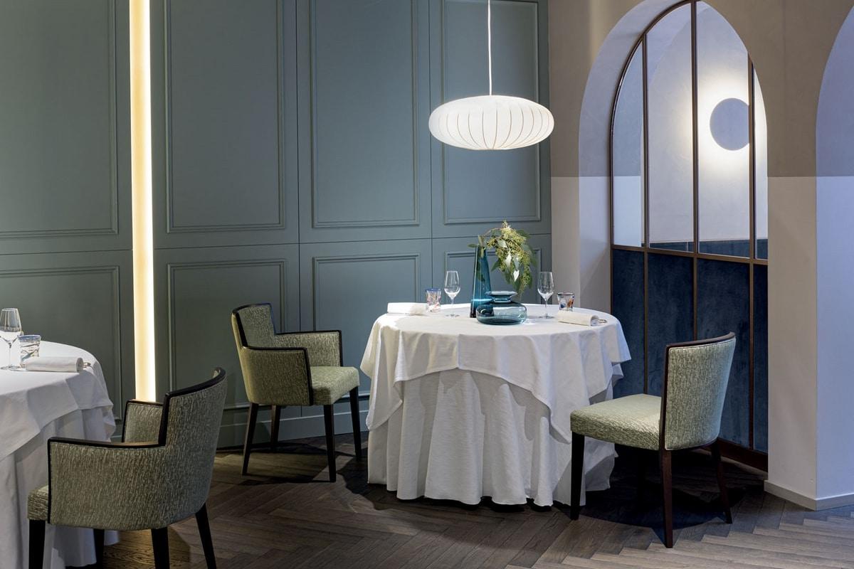 LONDON SIDE CHAIR 016 SA, Armchair for restaurant and hotel