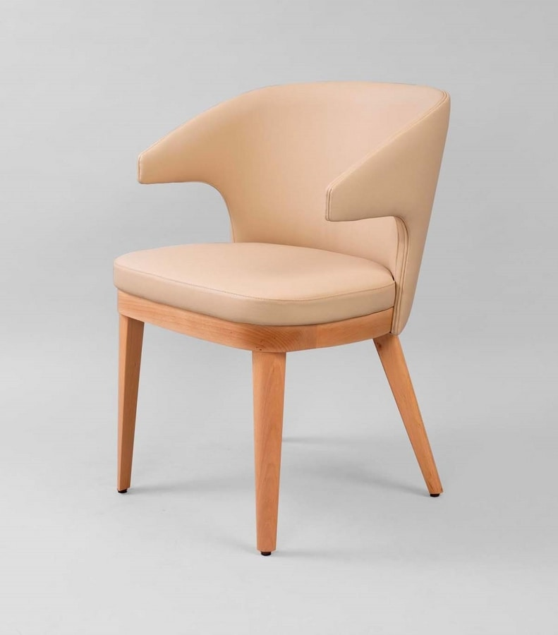 M40, Padded chair with armrests