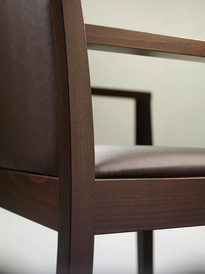 Vista, Essential armchair in beech for modern living