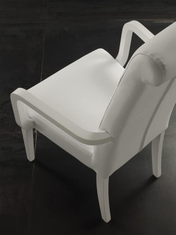 Art. 125 Billionaire P, Chair with armrests, padded, quilted backrest