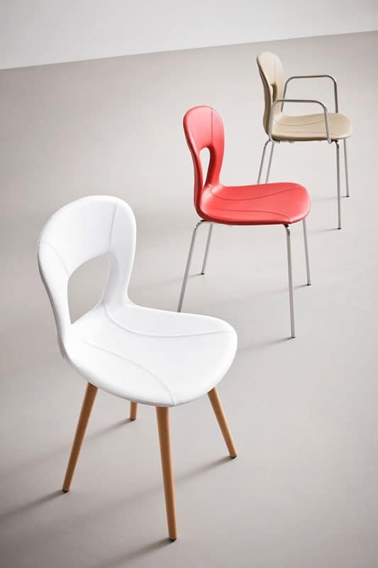 Blog UPH BL, Stackable chair, beech base, leather shell