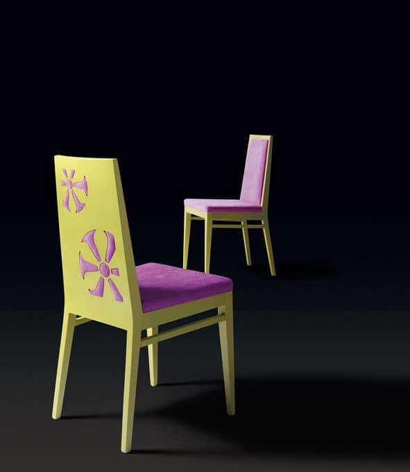 D02, Chair with particular decoration on the back of the backrest
