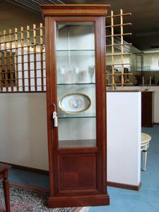 Art. 109, Single-door showcase, with glass shelves