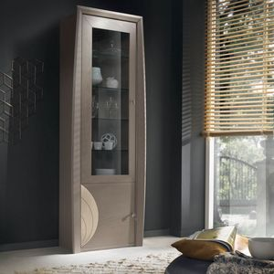 Luna LUNA5042SX, Showcase decorated with engravings