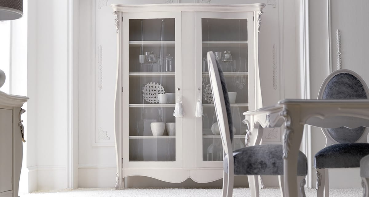 Melissa Art. 543, Display cabinet inspired by classic styles