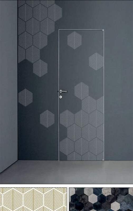 Bees, Door with honeycomb decorations