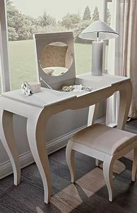 Mon Amour, Dressing table with opening top
