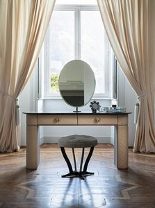 Penelope, Leather dressing table