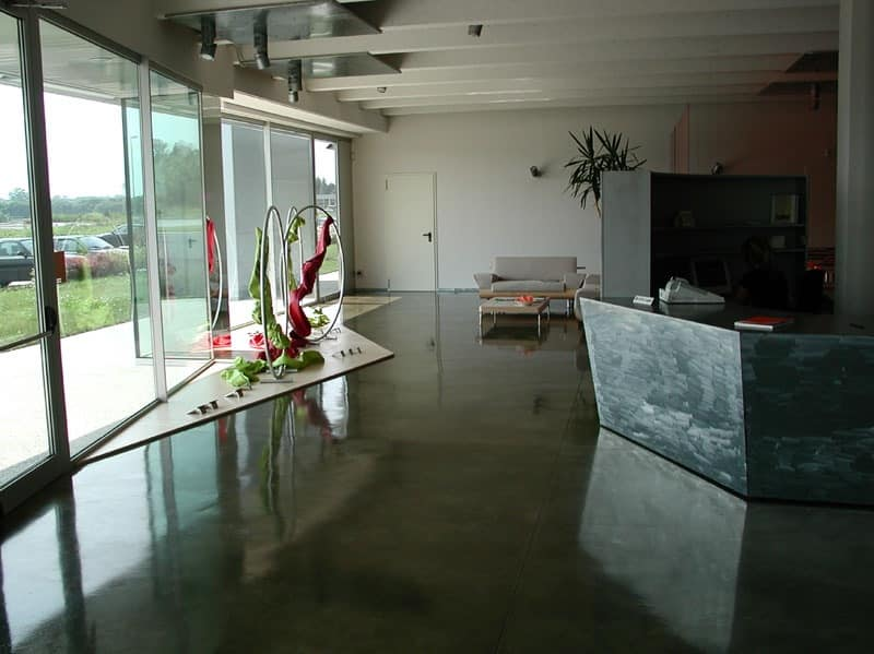 Autoleveling epoxy resin floors for stores, Resin floor, for luxury villas