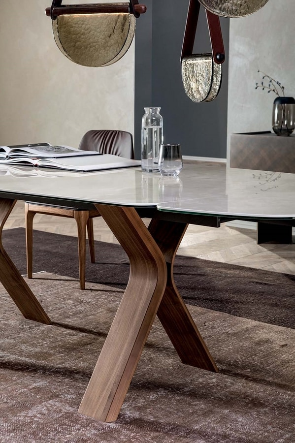 STILL, Fixed or extendable table, with curved wood base and ceramic top