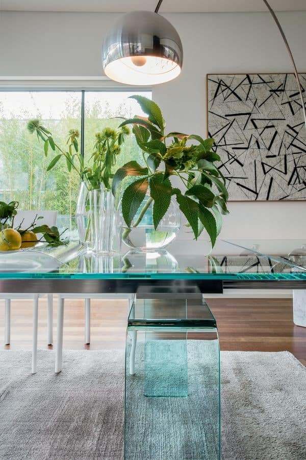 TEMPLE, Extendable dining table, elegant, in curved glass