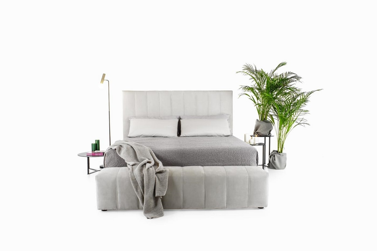 Bruce, Modern bed with a luxurious design