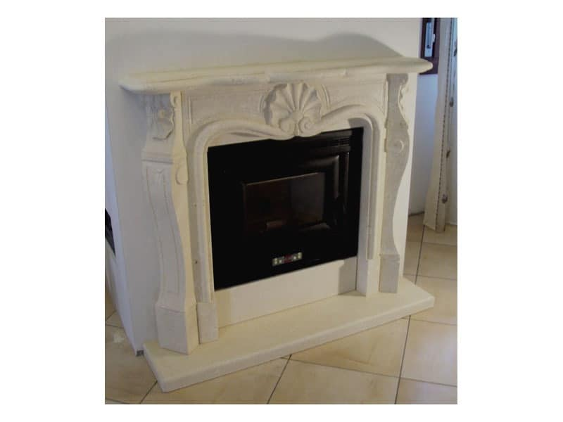 Luigi XV, Fireplace with structure made of hand carved stone
