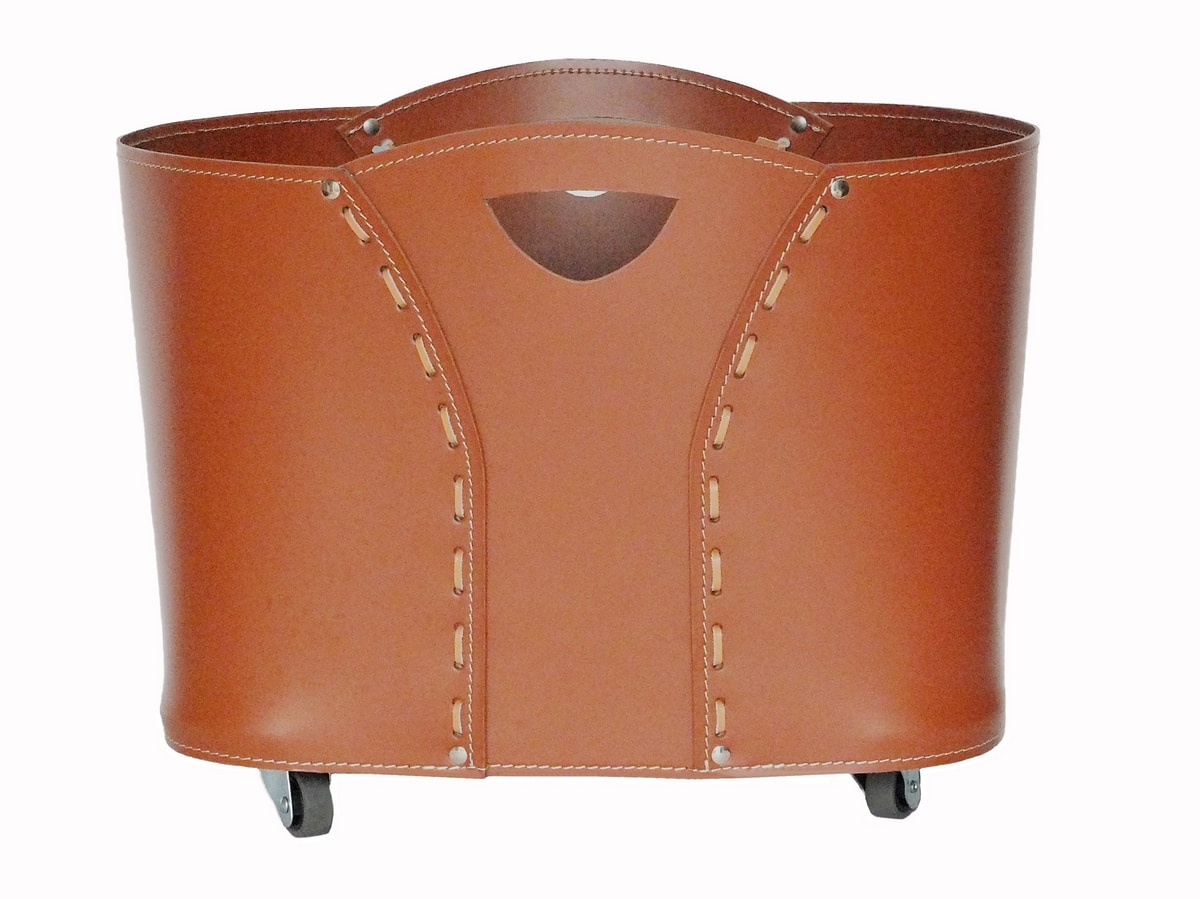 Volta, Firewood holder in leather, with visible stitching