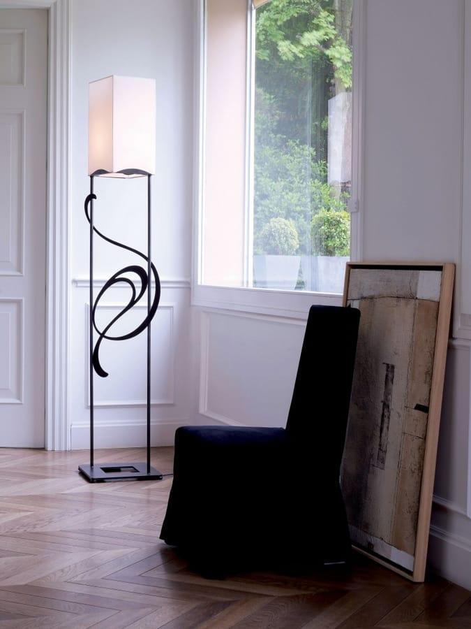 Genesis, Iron floor lamp ideal for classic and elegant