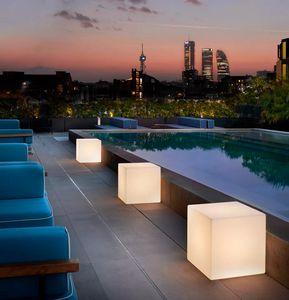 Modern contemporary design table floor lamp Slide Cubo LA CUB, Cube-shaped lamp