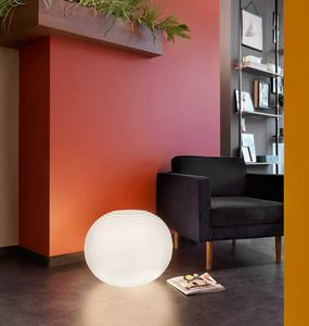 Modern design floor lamp for indoor and outdoor Molly by Slide SD MOL040A, Sphere floor lamp