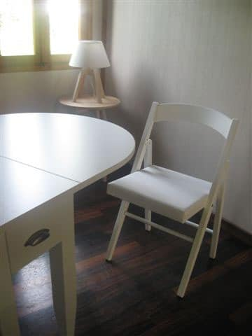 JL 11, Folding chair in solid beech, seat in eco-leather