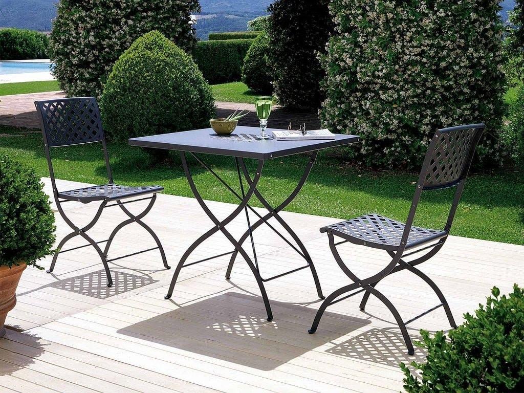 Springtime, Folding table for the garden