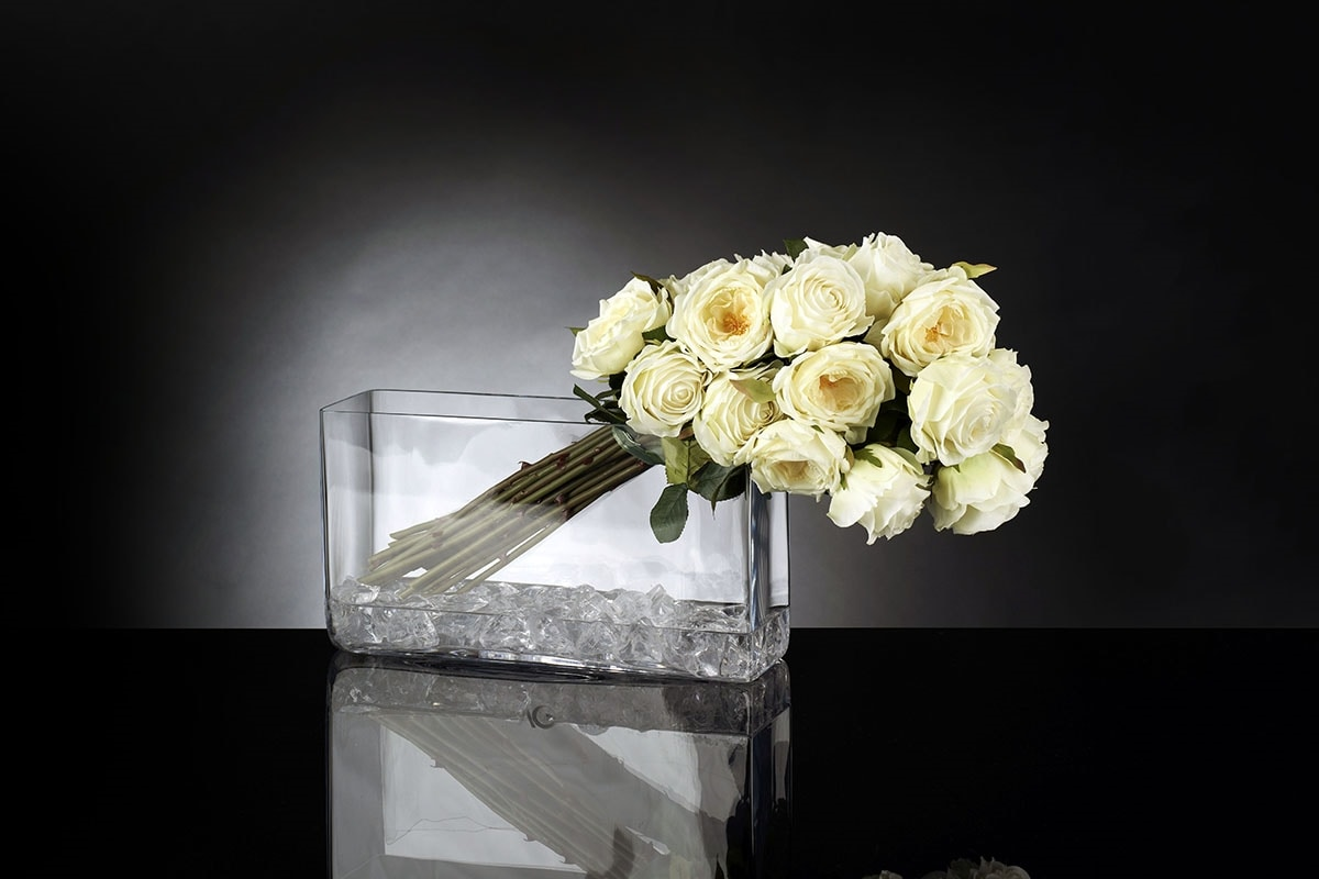 Eternity Mazzo Giulia, Composition of artificial flowers