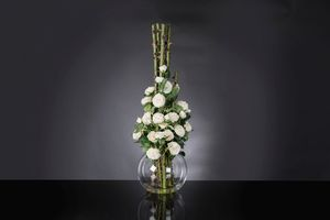 Eternity Penelope Column Roses, Floral arrangement on glass vase