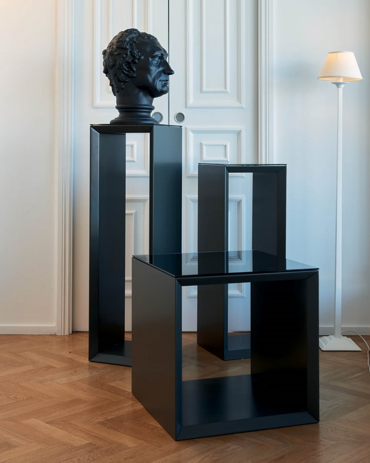 Lisbeth 253, Lacquered elements with glass top
