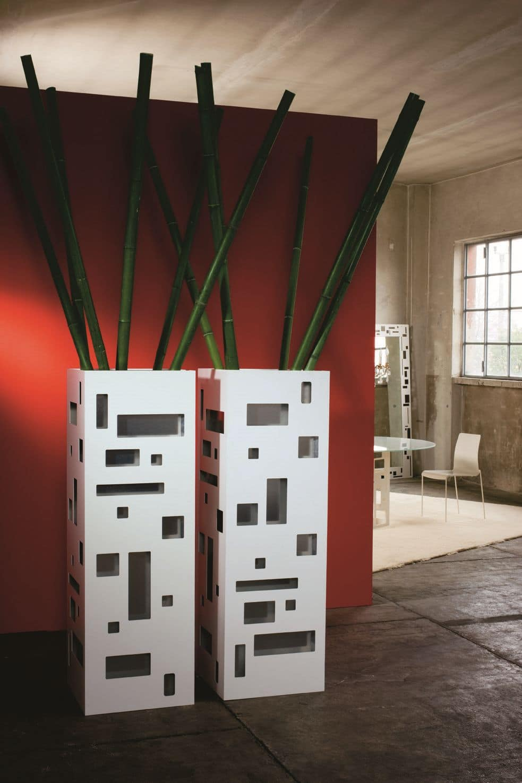 Monforte, Indoor pots with castors, made of sheet steel