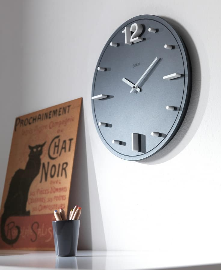 Oredodici, Clock in polymer lacquer with aluminum hands