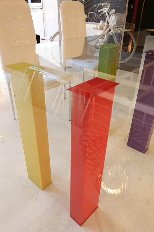 dl101 los angeles, Elegant table with colored legs for dining room