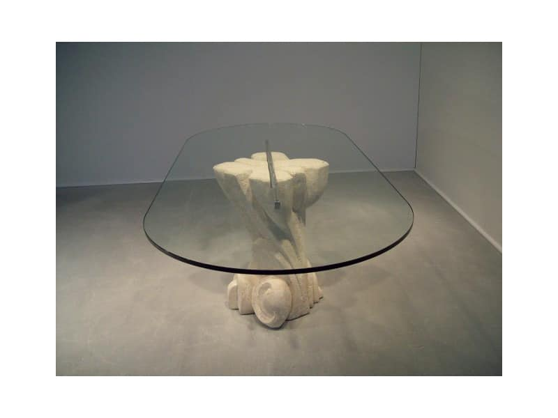 Nuoveau, Oval table with top in glass, base made of stone