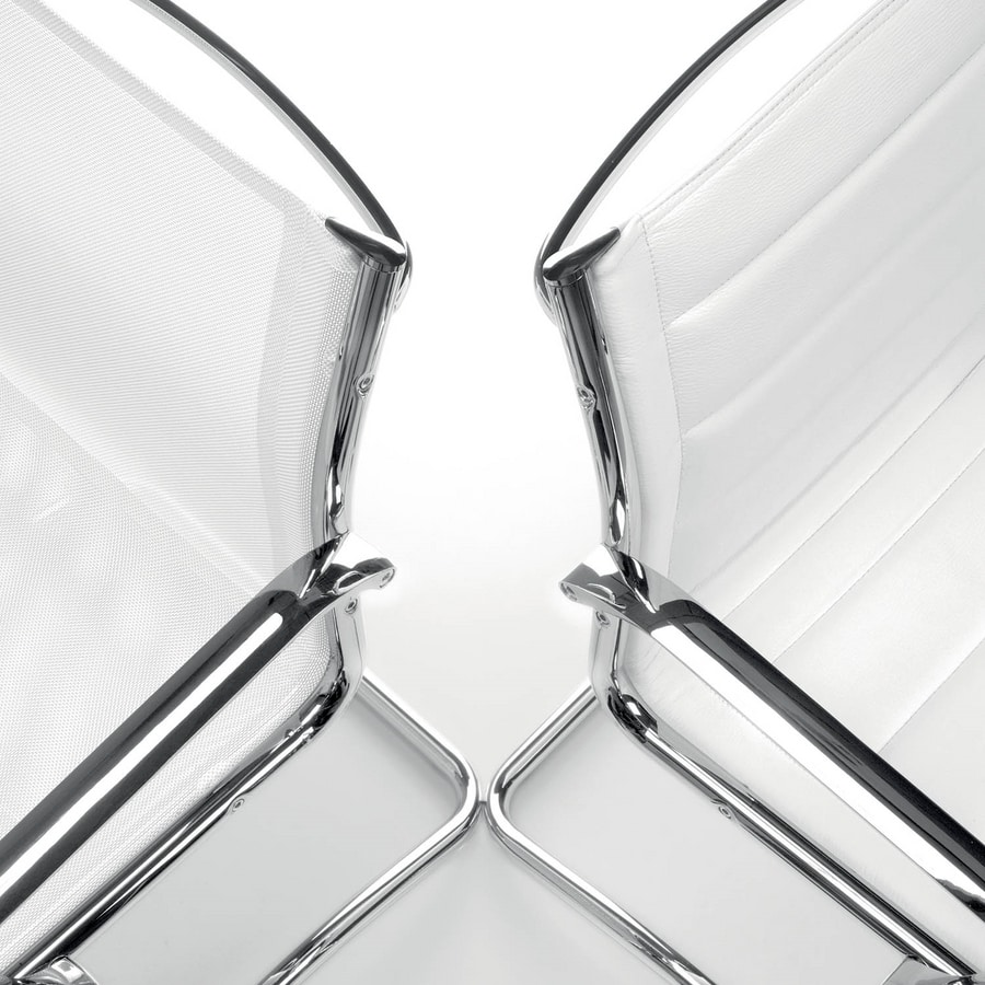 UF 546 / S, Chromed sled armchair with upholstered shell