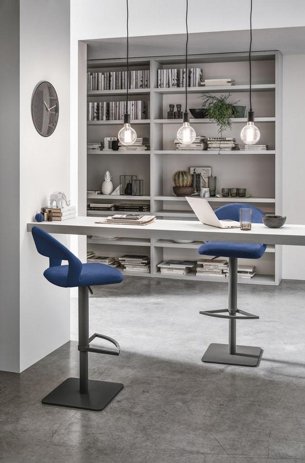 DENVER SG117, Height-adjustable stool