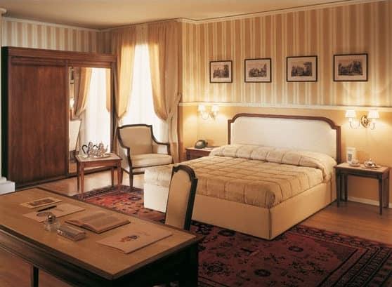 Collezione Direttorio, Classic style furniture for hotel suite, custom made