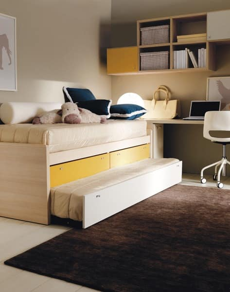 Comp. 109, Bedroom kids, warm colors, resistant finishes
