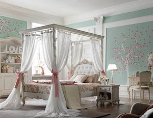 Luigi XVI Luigino, Girl's bedroom, with an elegant and luxurious style