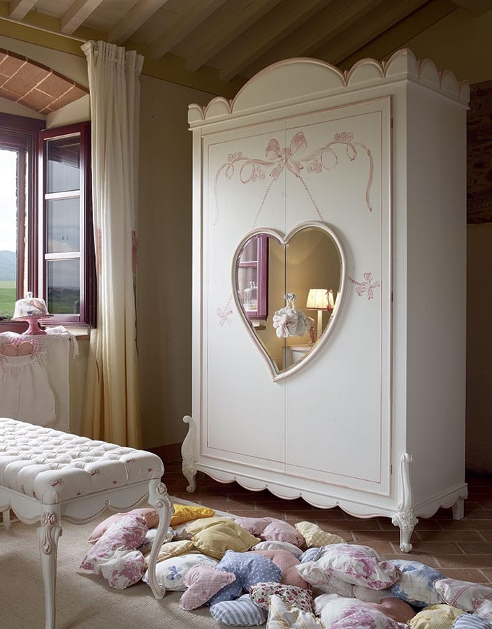 Nuvola, Bedroom for little girls, with canopy bed
