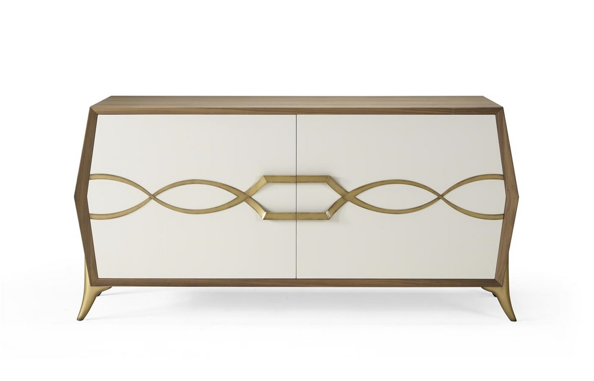 AN 102 A, Sideboard in canaletto walnut, with brass decorations
