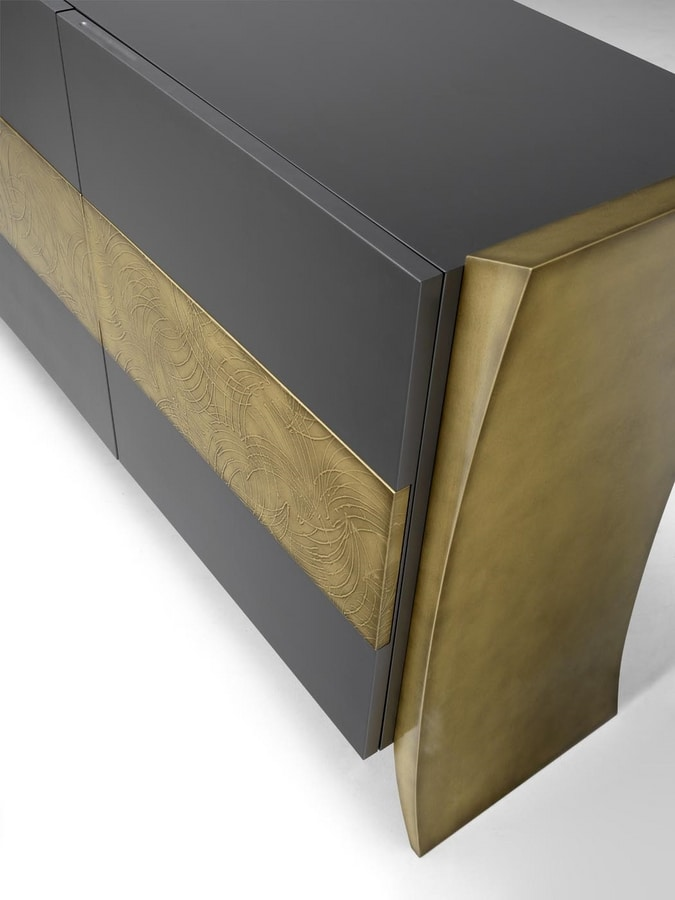 AN 113 A, Sideboard with decorative brass finish insert