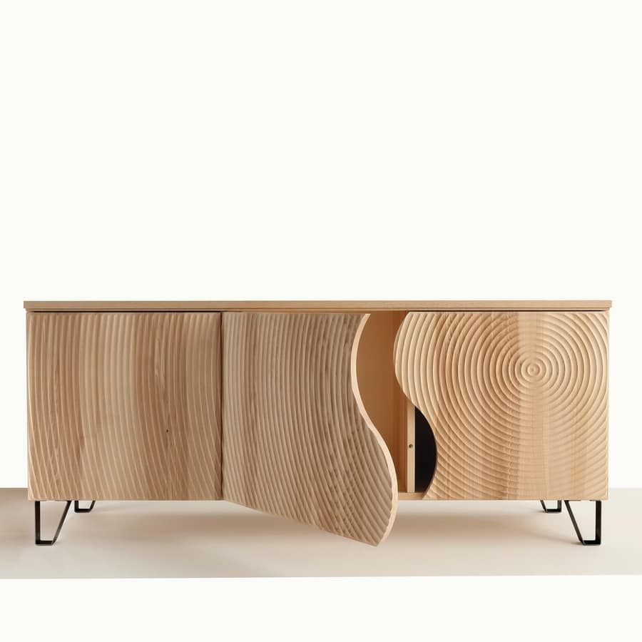 Art. 693 optical sideboard, Sideboard with doors decorated with pantograph