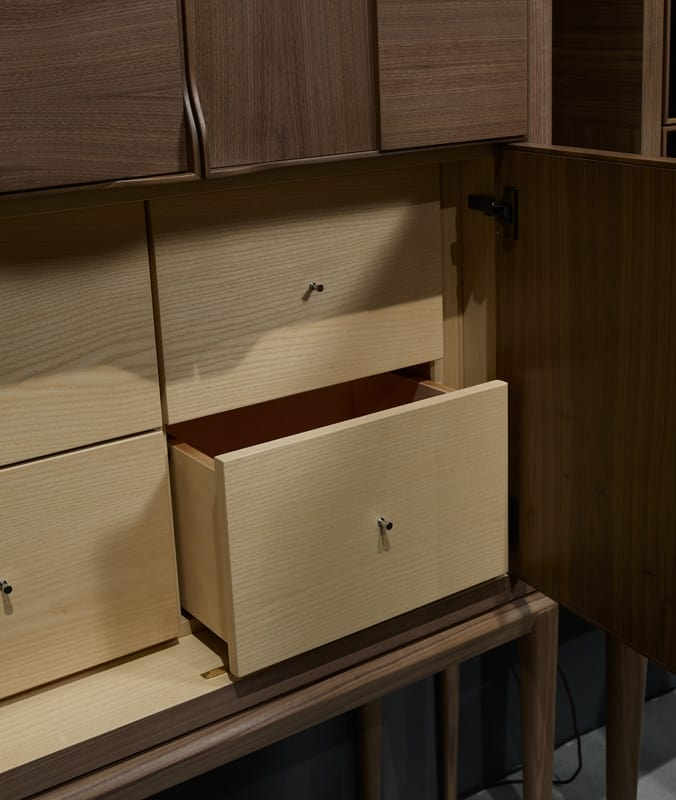 Fionn secretaire, Tall cabinet with doors and drawers